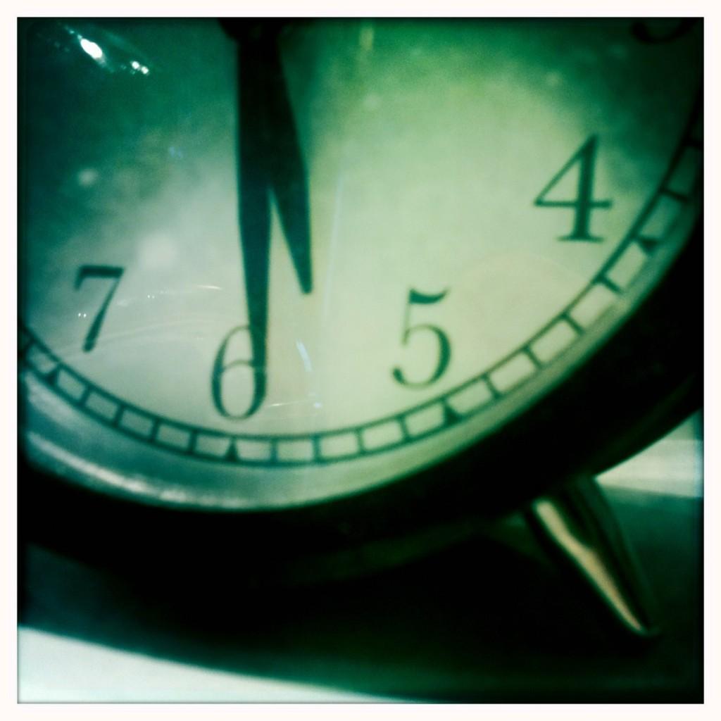 waiting w clock